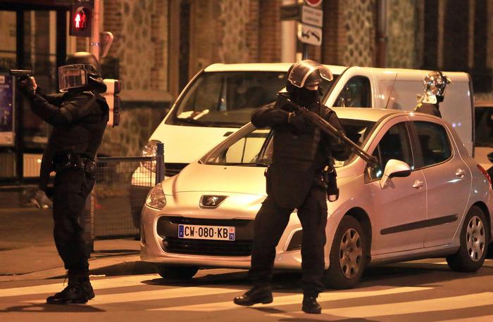 Opération de police à Saint-Denis.