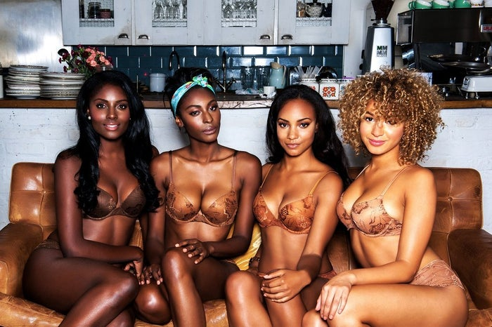 À ce jour, Nubian Skin est la seule marque connue (anglaise) qui propose des sous-vêtements dans toutes les teintes. Elle livre partout dans le monde, mais avec les frais de port ça fait cher l'ensemble soutif+culotte!