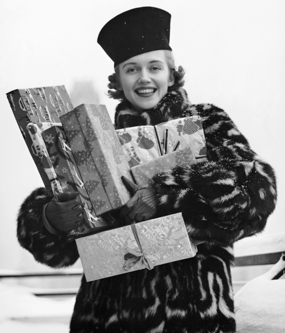 Image result for vintage christmas shopping photos