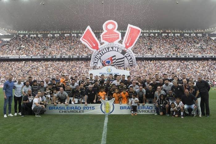 3d6281a1fb Com a confirmação do sexto título de campeão brasileiro do Corinthians