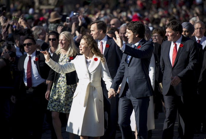 Prime Minister Justin Trudeau, his wife Sophie Gregoire-Trudeau and the MPs in his cabinet arrive at Rideau Hall in Ottawa on Wednesday, Nov. 4, 2015.