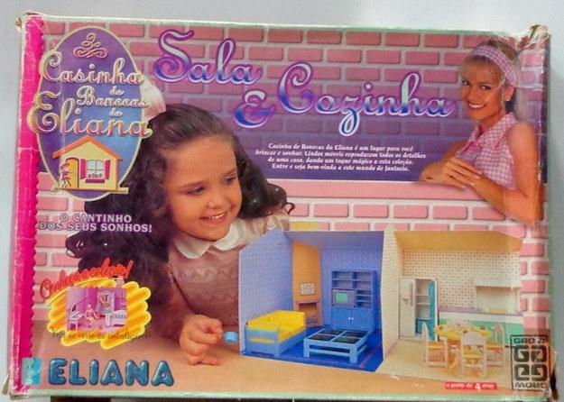 E sua casa de bonecas.
