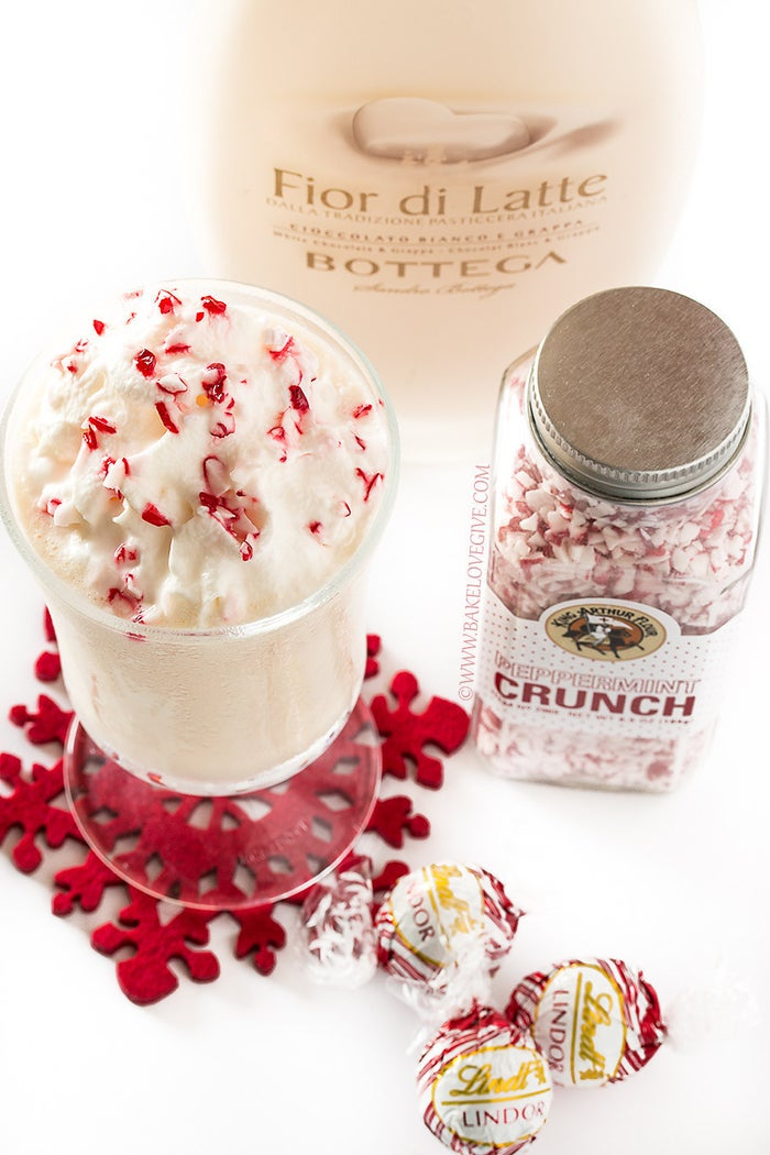 Just looking at this milkshake fills you with Christmas spirit, doesn't it? Get the recipe here!