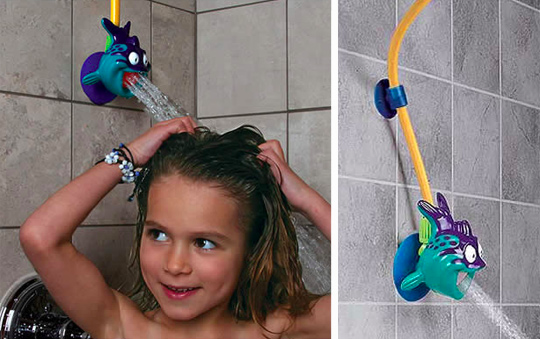 29 ways to design your kid 39 s dream bathroom for Childrens shower head