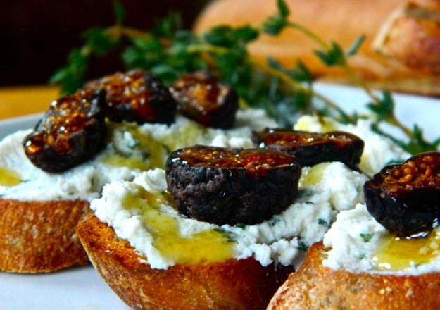 Ricotta Crostinis with Figs and Honey