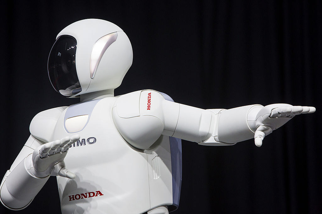"""Are We In Danger Of Sleepwalking Into >> Rise Of Robots Means UK Is """"Sleepwalking"""" Into Danger, Says Artificial Intelligence Pioneer"""