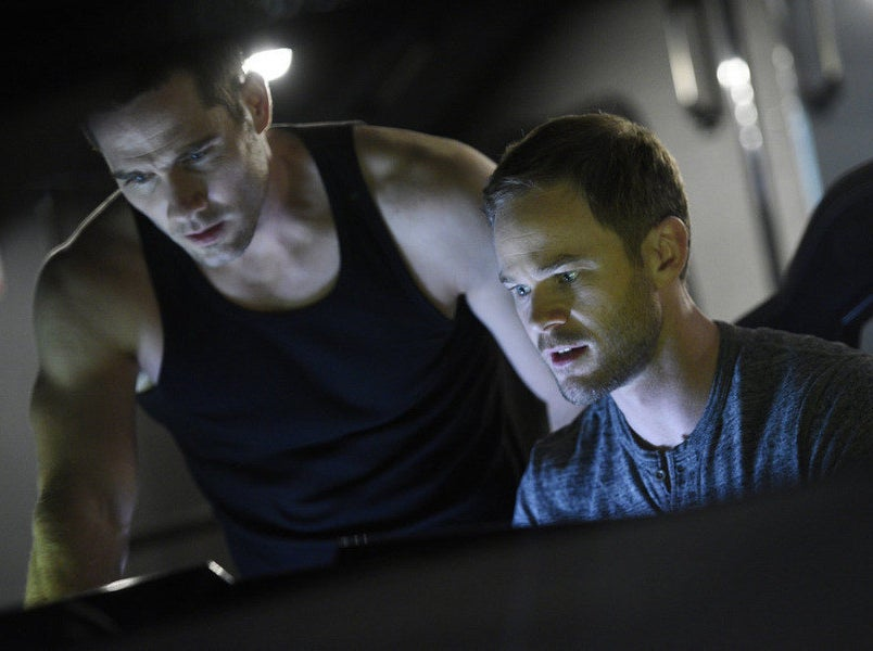 Luke Macfarlane and Aaron Ashmore on Killjoys.