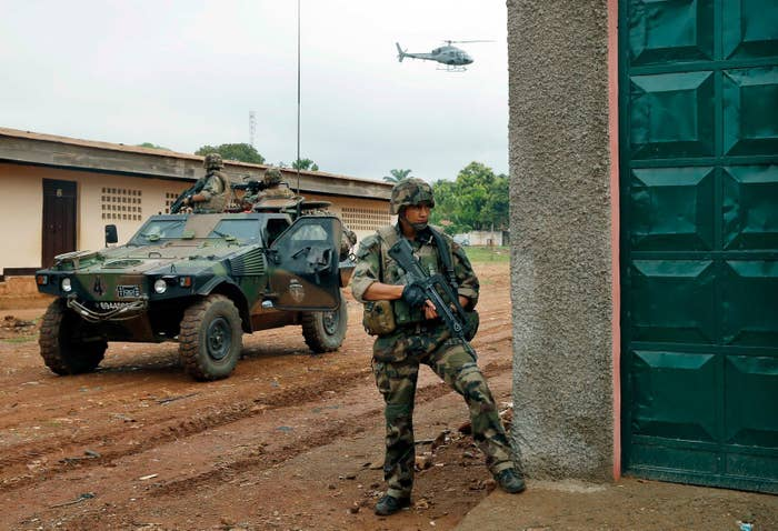 French troops take position in the Central African Republic in 2013
