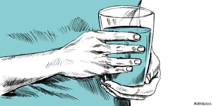 Você pode estar desidratado! Seu corpo precisa de água. Não suco, refrigerante ou álcool; pegue um bom copo de água e beba.