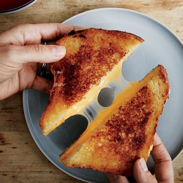 This Easy Pizza Grilled Cheese Is Probably The Most Delicious Thing You Can Make