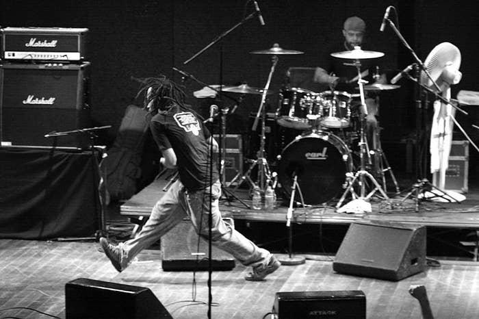 La banda seminal de hardcore se presentaron en el legendario Iguana's como parte de la gira promocional de Quickness.