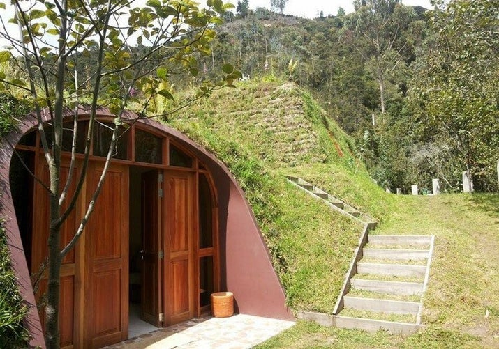 Hobbit Style Homes cheap, pre-fab hobbit houses are a thing and they're whimsical af