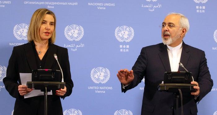 Federica Mogherini and Javad Zarif speaking Saturday in Vienna.