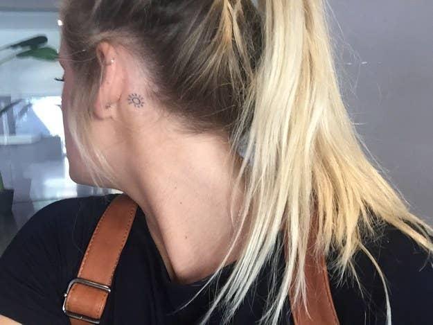 Mi amiga y yo tenemos un tatuaje de sol y luna.—courtney819