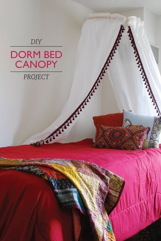 1. Use a hula hoop for some dorm room privacy. & 14 DIY Canopies You Need To Make For Your Bedroom