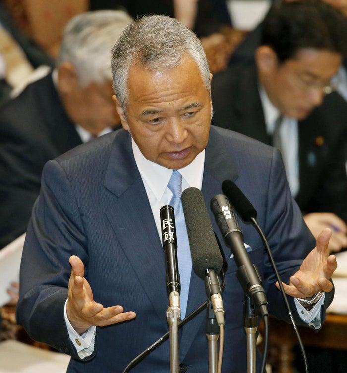 1月21日、参院決算委員会で答弁する甘利明大臣
