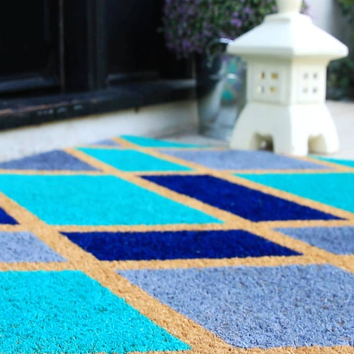 Spice Up Your Curb Appeal with 5 Easy Patio Decor DIYs - Calling all weekend warriors! Here are 5 easy projects you can get done in just a weekend and boost your curb appeal for an inviting and personalized front porch! | https://heartenedhome.com