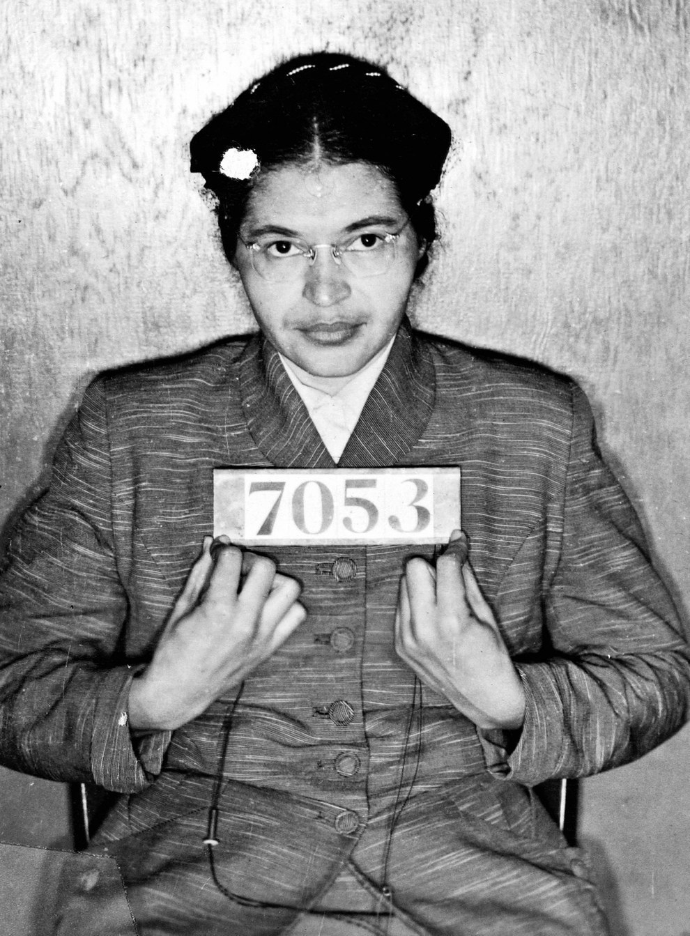 La foto de detenida de Rosa Parks en 1955 después de negarse a ceder su asiento en un autobús público a un pasajero blanco.