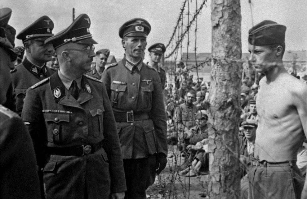 Este prisionero de guerra confrontando desafiantemente a Heinrich Himmler durante una inspección en 1940-1941.