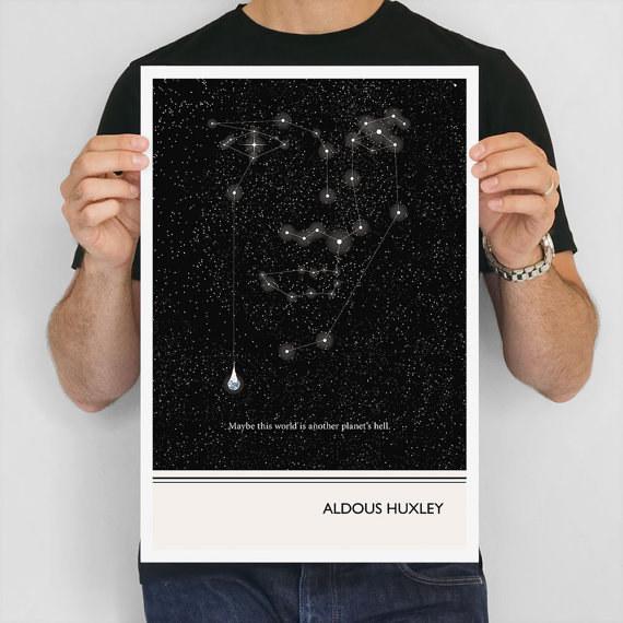 El poster de Aldous Huxley para recordarte lo pequeño e insignificante que eres en el mundo.