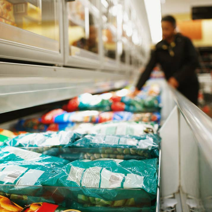Pesquisar no sistema da loja se eles tem o produto em estoque é rapidinho.