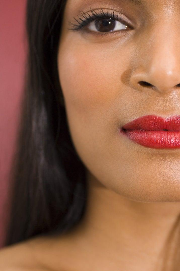 La verdad es que puedes experimentar con cualquier color de lipstick, no importa lo atrevido que se vea, te va a quedar bien.