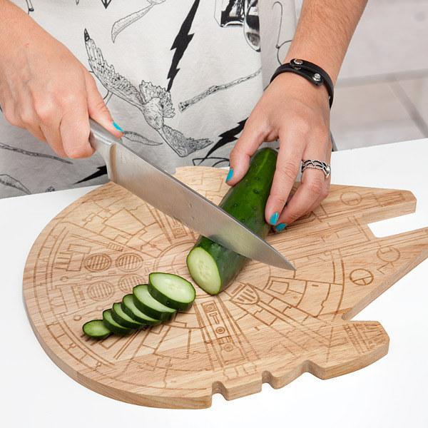This Millennium Falcon cutting board.