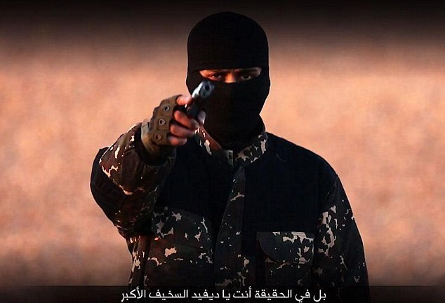 """ISIS Releases """"Message To David Cameron"""" Video From Fighter With British Accent"""