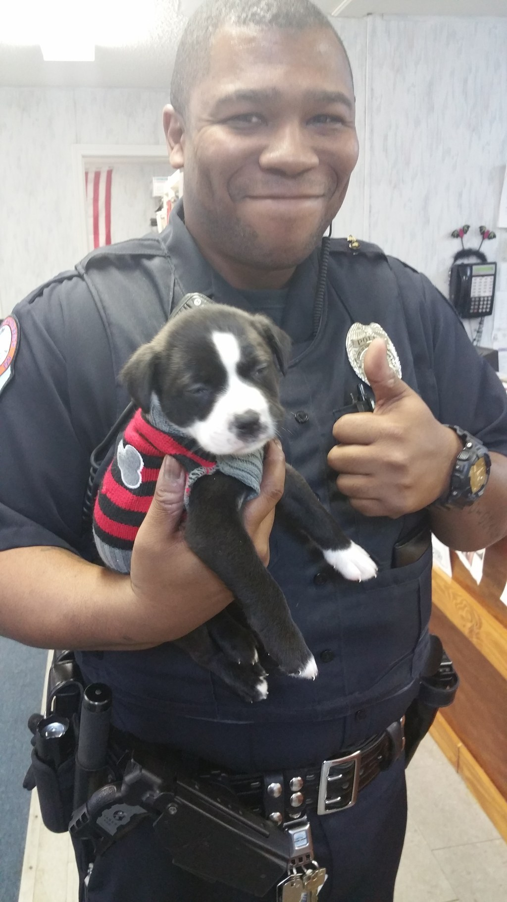 This Police Officer Showed Up To A Routine Call And Ended Up Falling In Love With A Puppy