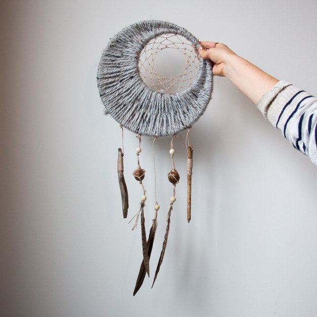 Make this ~dreamy~ decorative piece for your bedroom.