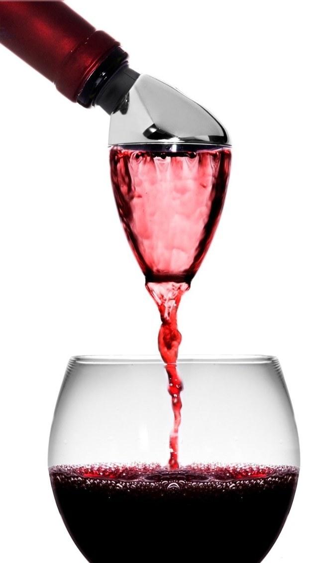 Este aireador para cuando quieres el vino más barato, pero que no sepa horrible.