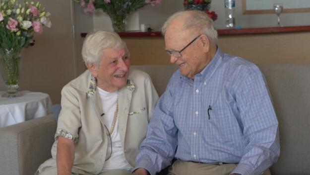 Plus de 70 ans après s'être vus pour la dernière fois pendant la seconde guerre mondiale, ces amoureux ont eu des retrouvailles émouvantes le 10 février.
