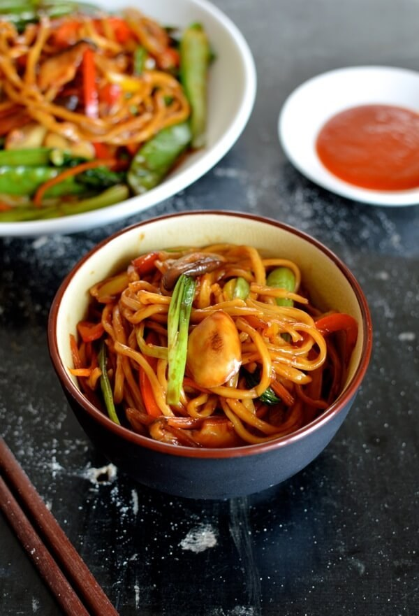 ...as well as scrumptious Chinese dishes like lo mein.