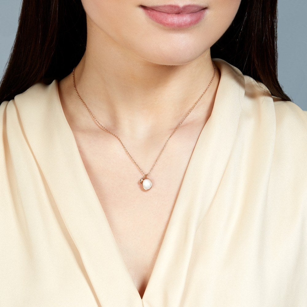 23 Delicate Moonstone Necklaces You'll Never Take Off