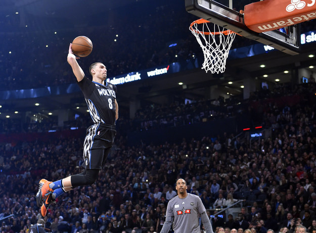 Here Are The Most Insane Slam Dunks From This Year's NBA Contest