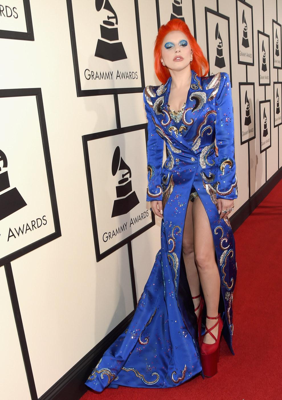 Y vamos a cerrar esto como se debe. Con la reina Lady Gaga.
