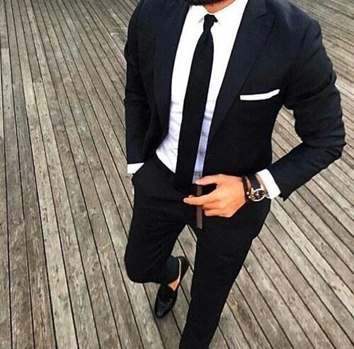 El ancho de tu corbata depende del tamaño de tu cuerpo.