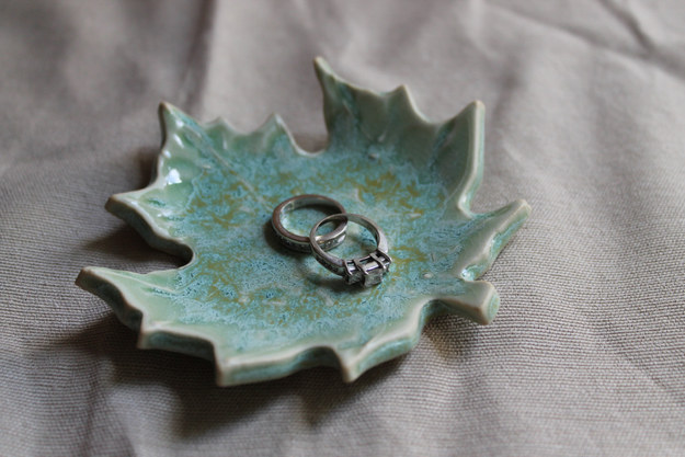 Keep track of your favourite ring with a maple leaf trinket dish.