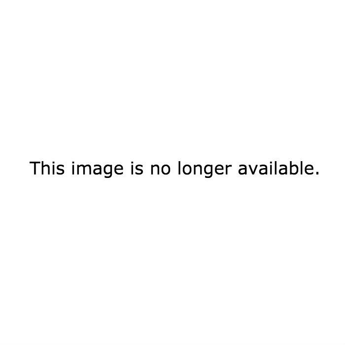 Quando a câmera mostrou este ângulo adorável de LeBlanc e Aniston na mesa deles.