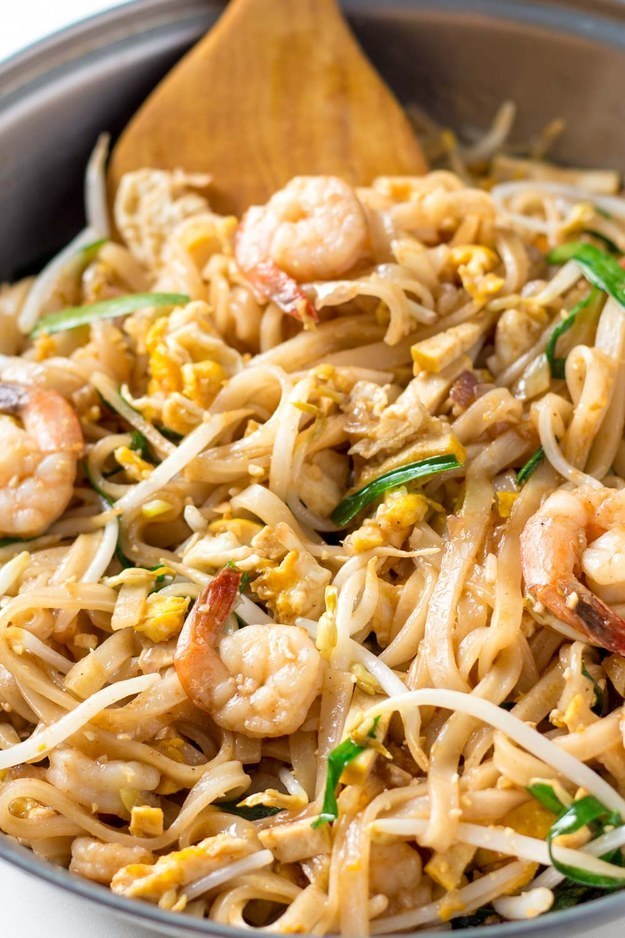 Pad thai sauce buzzfeed 31 asian noodle dishes thatll make you quit takeout forever forumfinder Gallery