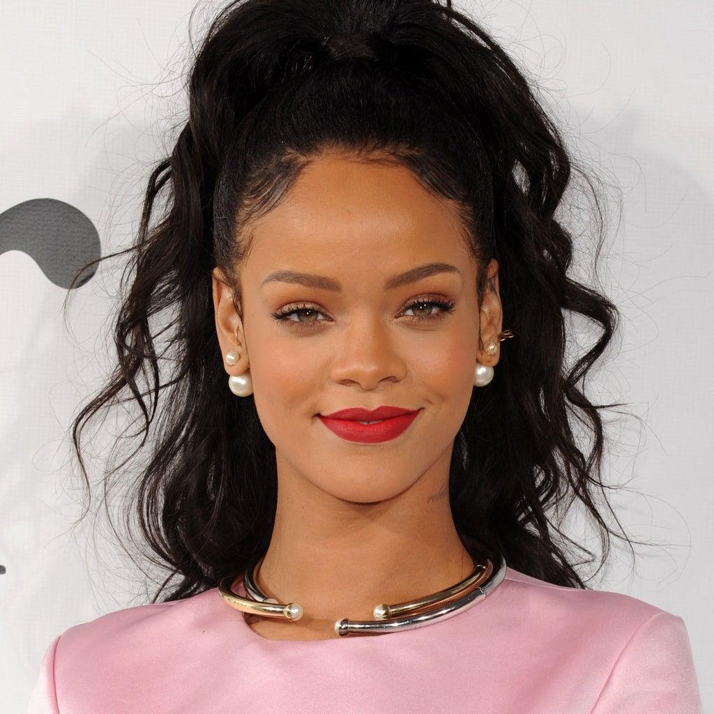 Rihanna Now Has More No. 1 Singles Than Michael Jackson