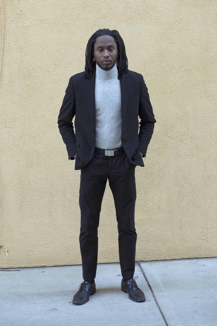 85870e72afbd Um homem negro mudou seus looks para ver se as pessoas o tratariam ...