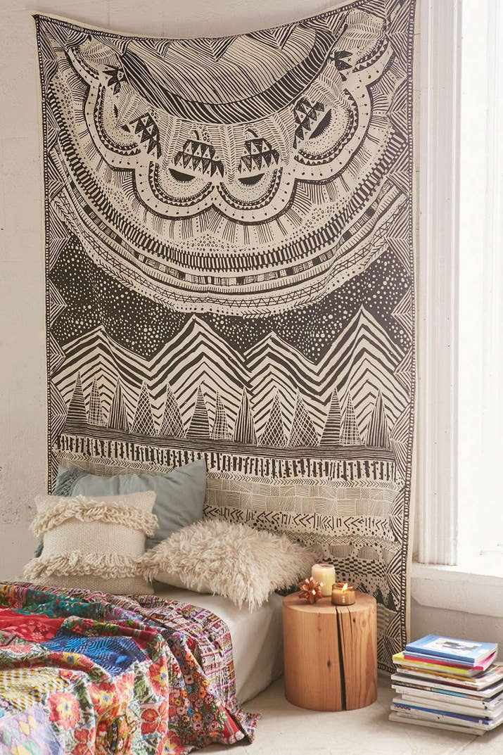 17 ways to make your home look like a hippie hideaway 1 hang a gorgeous tapestry above your bed solutioingenieria Images