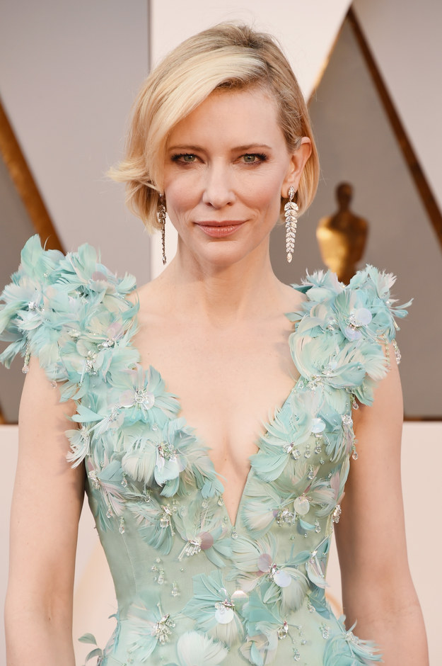 Nominated this year for Best Actress for her role in Carol, Cate is already a winner in this STUNNING look.