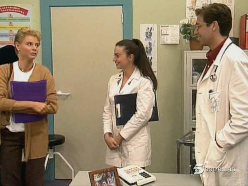 Y Emilio Aragón mantenía a 6 personas con el sueldo de un médico de familia, por eso es ficción.