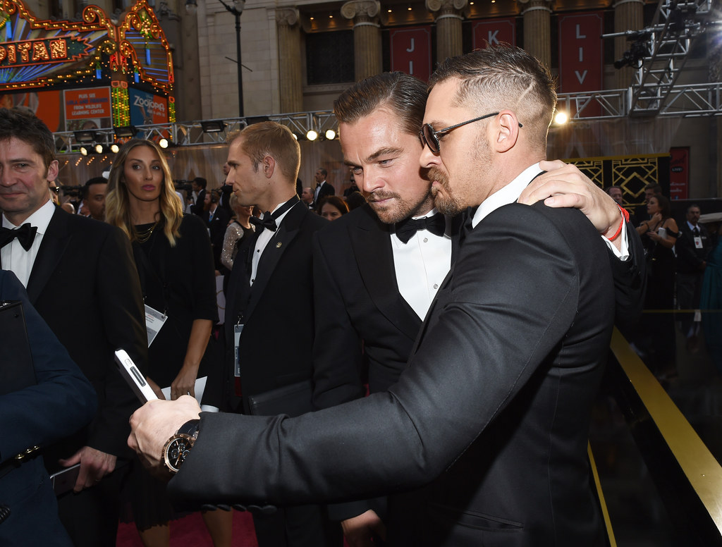 The Best Bit About The Oscars Was Tom Hardy Showing Off His Tom Hardy Phone Case