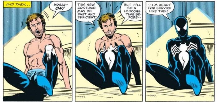 Desde pequeños cambios de diseño, hasta trajes que le daban poderes especiales. Spider-Man ha usado más de una docena de atuendos diferentes en su carrera en los cómics.