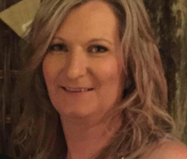 Kylie Armstrong, une designer textile de 45 ans qui habite � Melbourne, en Australie, a confi� � BuzzFeed News qu&elle a pleur� quand on lui a diagnostiqu� un cancer du sein en f�vrier.