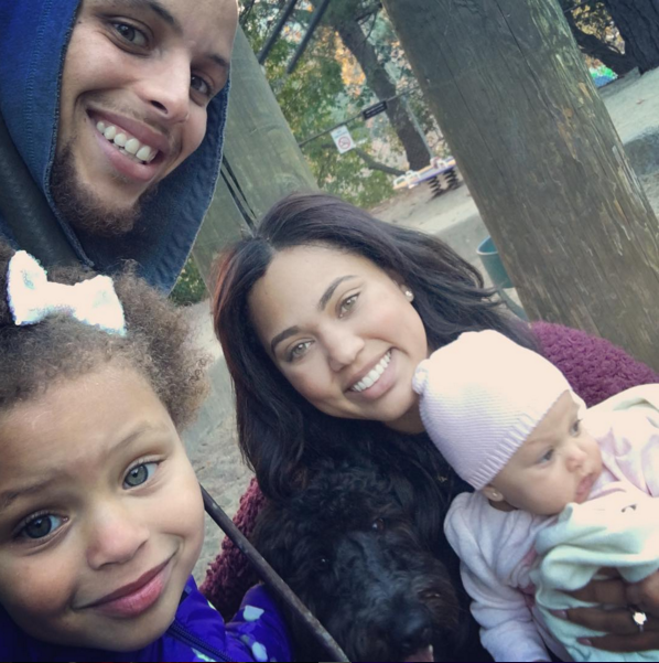 OK, so it's already been established that The Currys are one of the cutest families ever.