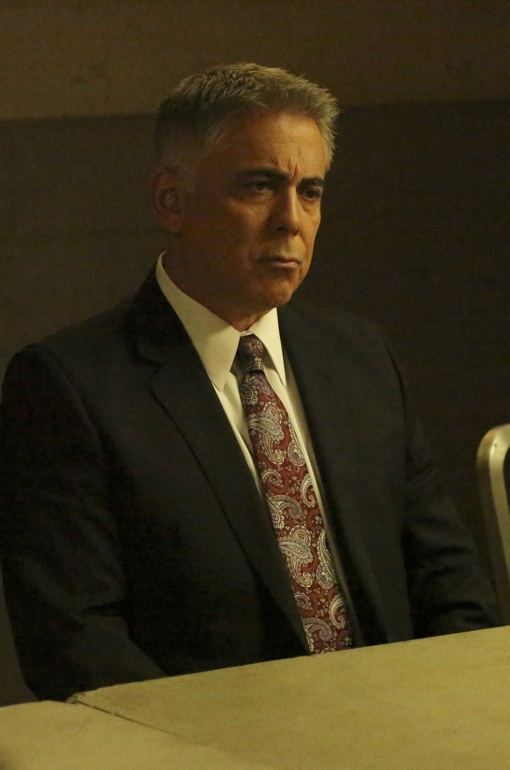 Adam Arkin as Wallace.